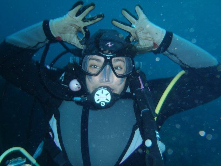Laure chevalier-Trubert monitrice de plongée chez Aqua Evasion, Carry le rouet