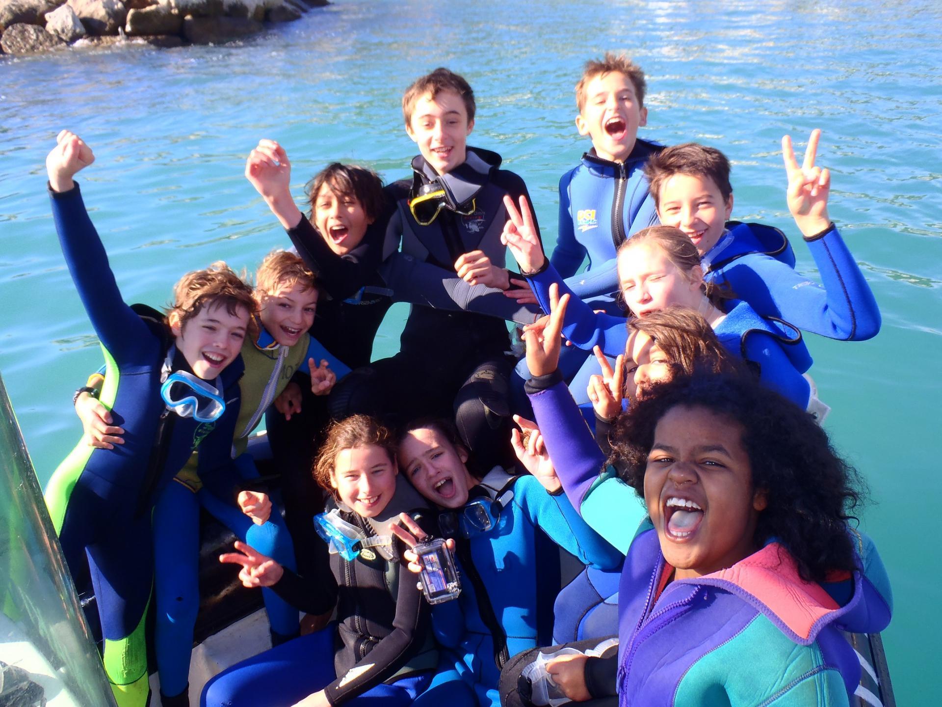 Groupe de plongeurs, à Marseille, formation Niveau 1 à Carry le rouet, 13, Provence