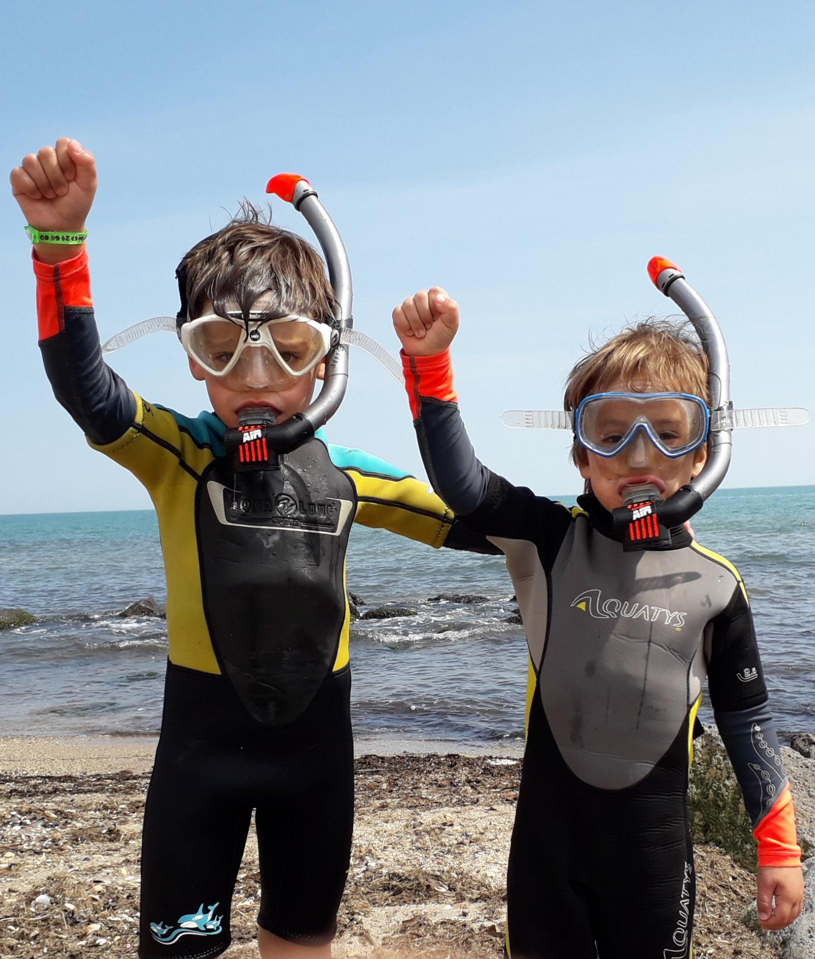 Apprentissage des palmes masque et tuba pour les enfants
