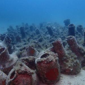 Amphores sous marine