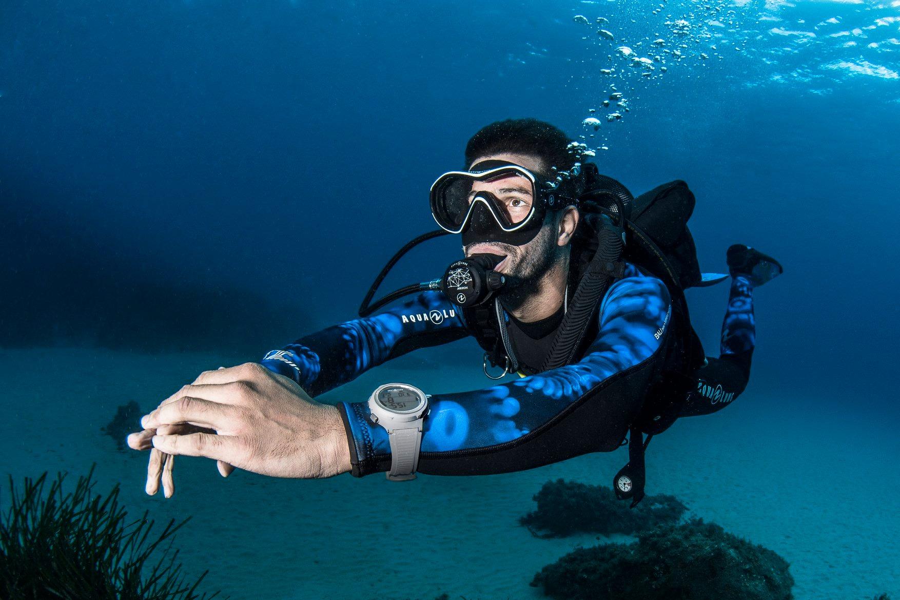 Plongeur aqualung